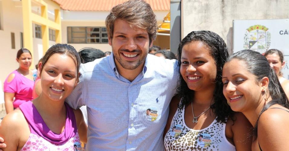 7.out.2014 - Tiago Amaral (PSB), 28, foi eleito deputado estadual no Paraná com a terceira maior votação entre os que se candidataram ao Executivo: 86.390 votos. O desempenho de Amaral representa 1,5% do total de votos válidos no Estado