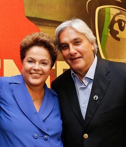 7.out.2014 - O candidato do PT ao governo do Mato Grosso do Sul, Delcídio do Amaral, participou de um encontro entre governadores e senadores da base aliada da presidente, e também candidata à reeleição, Dilma Rousseff (PT), em Brasília