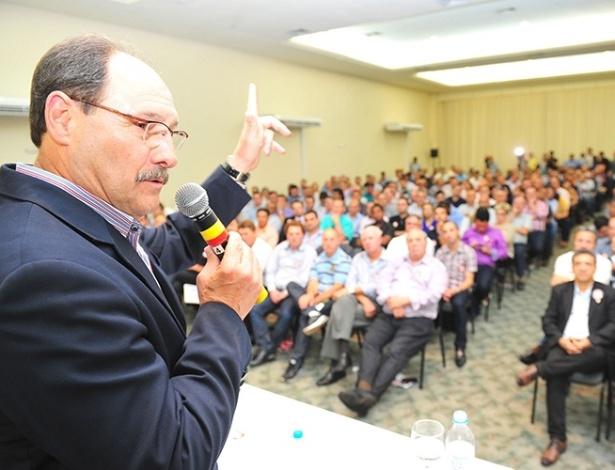 Candidato ao governo do RS pelo PMDB, Sartori anuncia apoio a Aécio