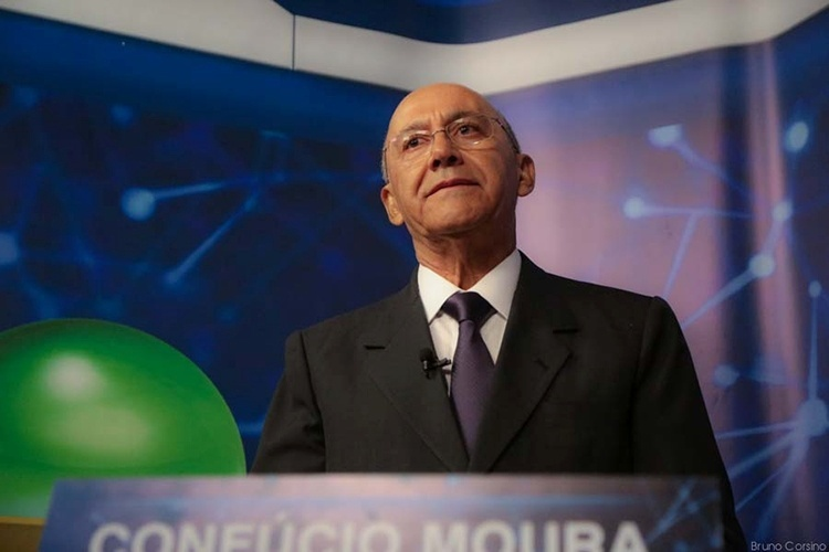 9.out.2014 - O candidato ao governo de Rondônia pelo PMDB, Confúcio Moura, participou de debate realizado pela TV Bandeirantes