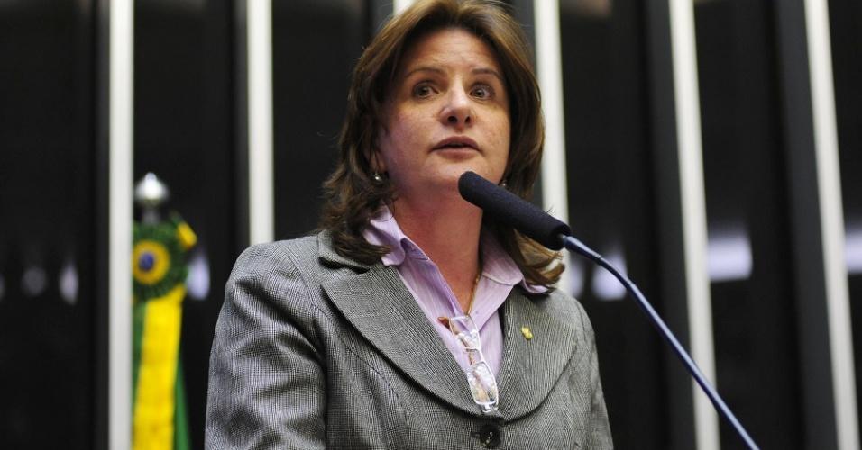 14.out.2014 - Carmem Zanotto, 52, do PPS, foi a deputada federal com maior votação entre suas concorrentes em Santa Catarina, com 78.607 votos. Formada em enfermagem, foi secretária estadual Adjunta da Saúde, vereadora em Lages (SC) e deputada federal