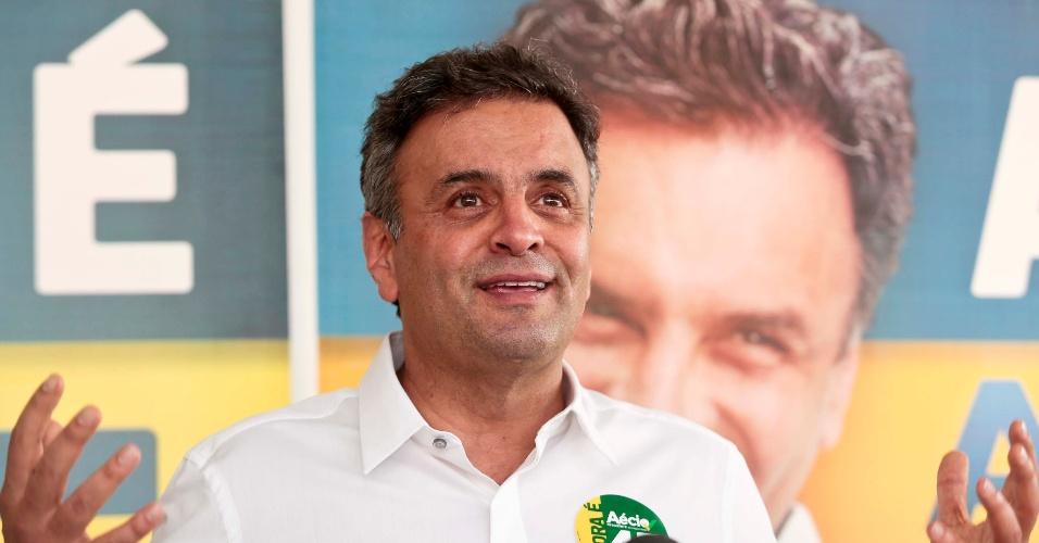 14.out.2014 - O candidato à Presidência da República Aécio Neves (PSDB) concede entrevista coletiva na tarde desta terça-feira, no Brooklin, zona sul de São Paulo. Aécio falou que a campanha atual é a que tem mais mentiras na história e afirmou que, apesar do