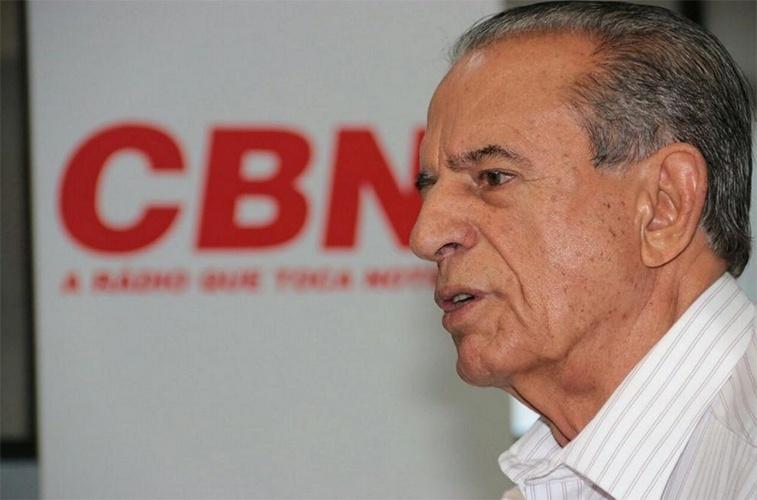 14.out.2014 - O candidato ao governo Iris Rezende (PMDB) concedeu entrevista à rádio CBN Goiânia. Rezende disse que