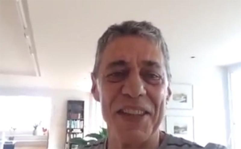 14.out.2014 - O cantor e compositor Chico Buarque de Holanda gravou um vídeo reforçando o seu apoio no segundo turno das eleições à presidente e candidata a reeleição pelo PT Dilma Rousseff