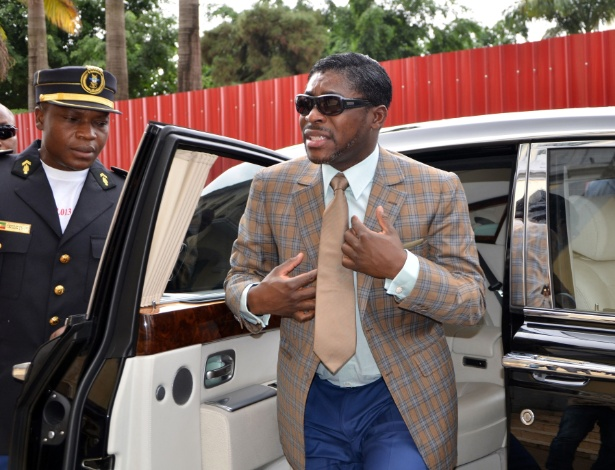 791dc3c48ff PF e Receita agiram dentro da lei ao revistar vice da Guiné ...