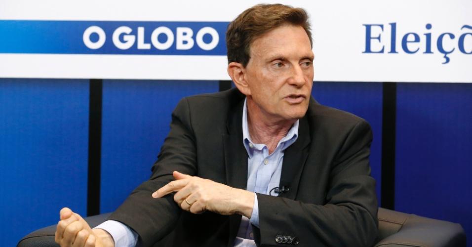 15.out.2014 - O candidato ao governo do Rio de Janeiro pelo PRB, Marcelo Crivella, é sabatinado pelo jornal O Globo, no Rio