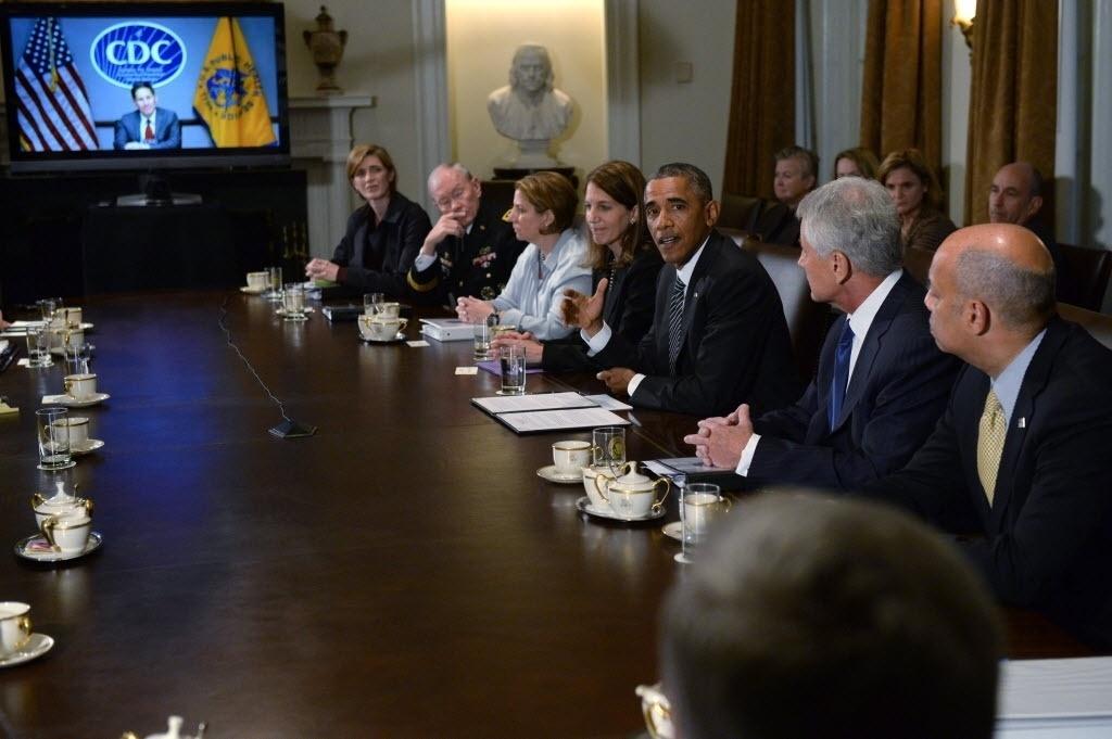15.out.2014 - O presidente dos EUA, Barack Obama, se reune com agências governamentais para discutir politicas de enfrentamento contra o eboa, nesta quarta-feira (15), em Washington. Obama exortou os líderes europeus a se comprometerem mais com a luta contra a epidemia