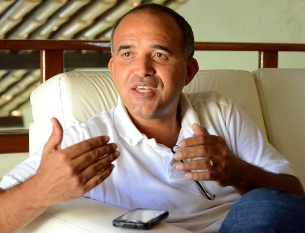 O prefeito Jarbas Ricardo (PSDB), de São José da Tapera (AL), reconhece que a vitória de Dilma no município é normal e diz que é complicado fazer campanha para Aécio Neves no interior do Nordeste
