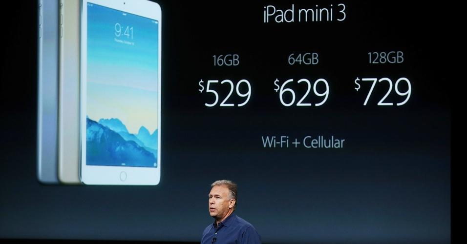 Phil Schiller, vice-presidente de marketing de produto da Apple, apresenta o iPad Mini 3 durante evento da marca. O tablet tem praticamente as mesmas configurações do iPad Air 2. A diferença é o tamanho da tela (que é menor) e a câmera que tem menos resolução (5 megapixels)