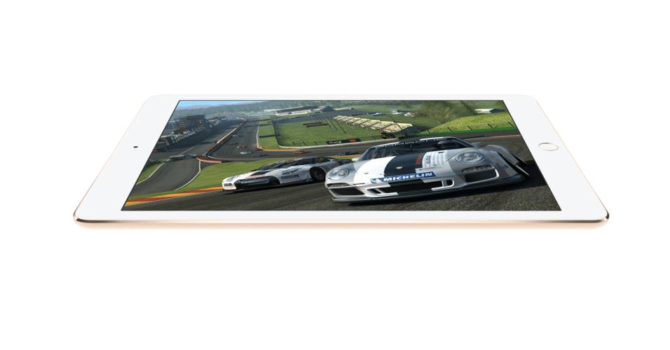 Tim Cook, CEO da Apple, apresenta o iPad Air 2 durante evento da marca. O modelo é mais fino que a versão anterior e possui 6,1 milímetros de espessura. O primeiro iPad Air tem 7,5 milímetros. O processador A8x, segundo a empresa, é 40% mais rápido que o usado no modelo anterior. O processador gráfico do novo modelo promete rodar gráficos com eficiência 2,5 vezes melhor que seu antecessor