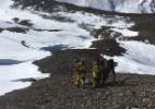 Dia angustiantes no Himalaia, após nevasca mortal surpreender montanhistas - Exército do Nepal/HO/AFP
