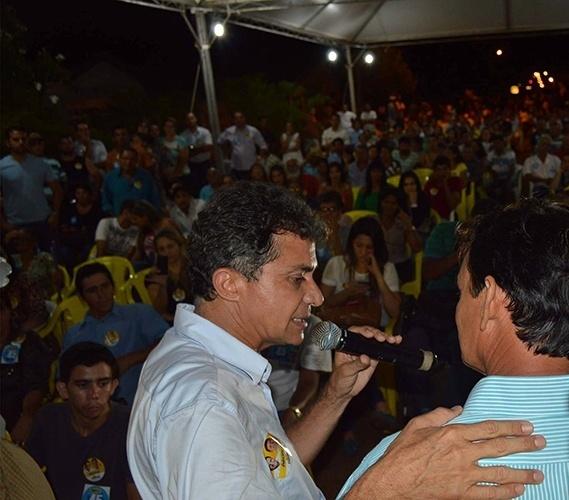 16.out.2014 - O candidato do PSDB ao governo, Expedito Júnior, se reúne com moradores e lideranças do município de Ouro Preto do Oeste