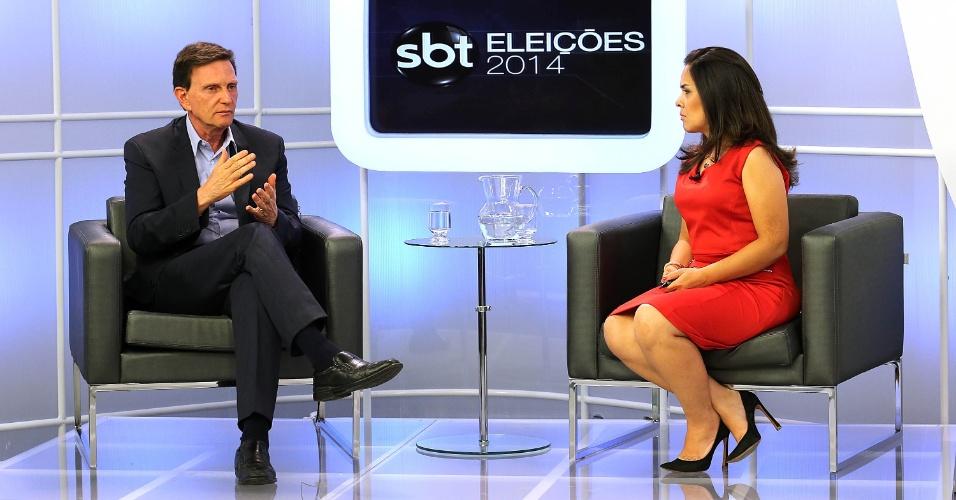 17.out.2014 - O senador e candidato ao governo do Rio de Janeiro, Marcelo Crivella (PRB), participa da sabatina do SBT e UOL, nos estúdios da emissora em São Cristóvão, zona portuária do Rio