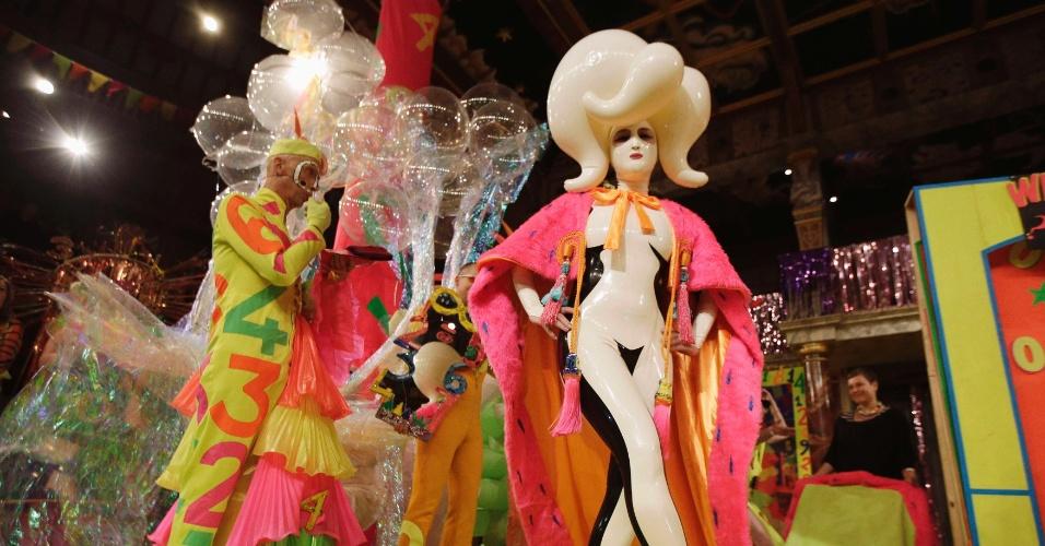 18.out.2014 - Miss Zero, nome artístico do russo Sasha Frolova, venceu o Miss Mundo Alternativo 2014, ocorrido em Londres no dia 18 de outubro. A competição é aberta a participantes de qualquer gênero ou nacionalidade e é disputada desde 1972