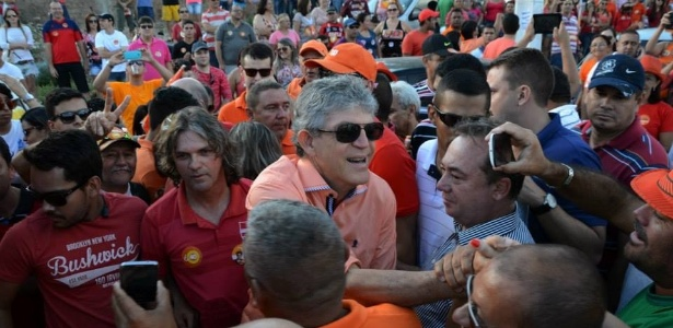 Ricardo Coutinho (PSB) superou adversário tucano e foi reeleito governador da Paraíba