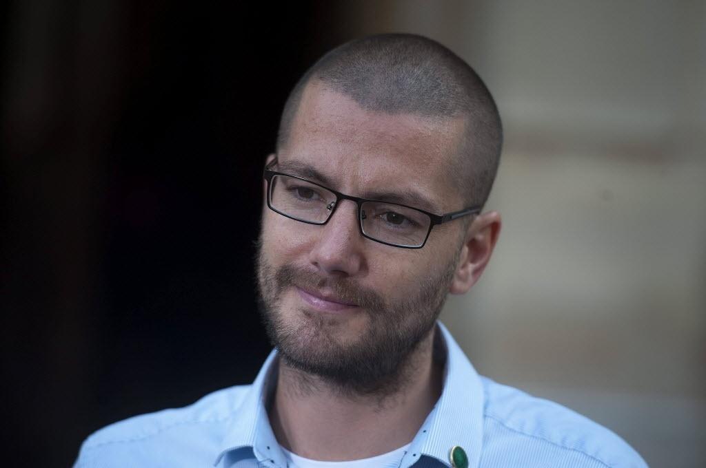 2.out.2014 - O enfermeiro britânico William Pooley, que sobreviveu ao vírus ebola, já havia anunciado sua intenção de voltar a Serra Leoa, onde trabalhava quando foi infectado