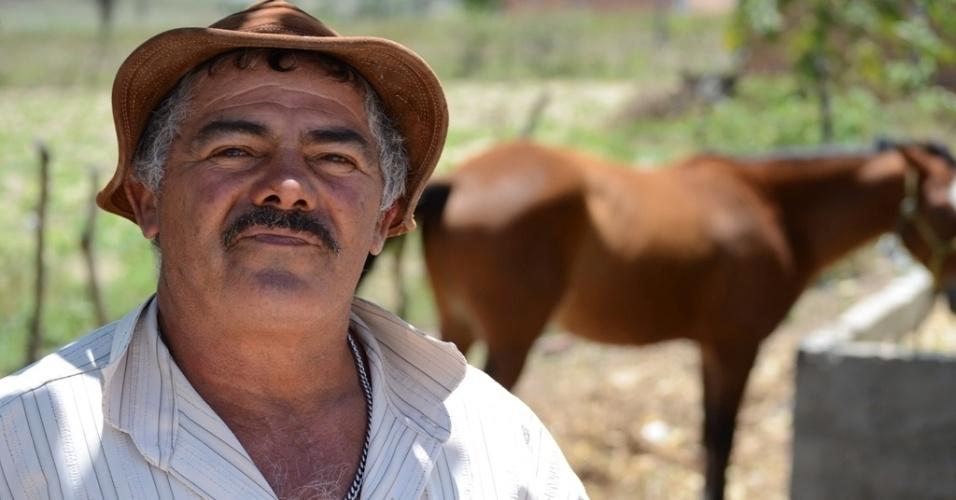 21.out.2014 - Jorge Rodrigo de Melo, 62, agricultor que mora em Caetés (PE), diz que melhor que Dilma só Lula; segundo ele, o petista ainda voltará à Presidência. O município natal de Lula teme perder as transferências sociais do governo federal