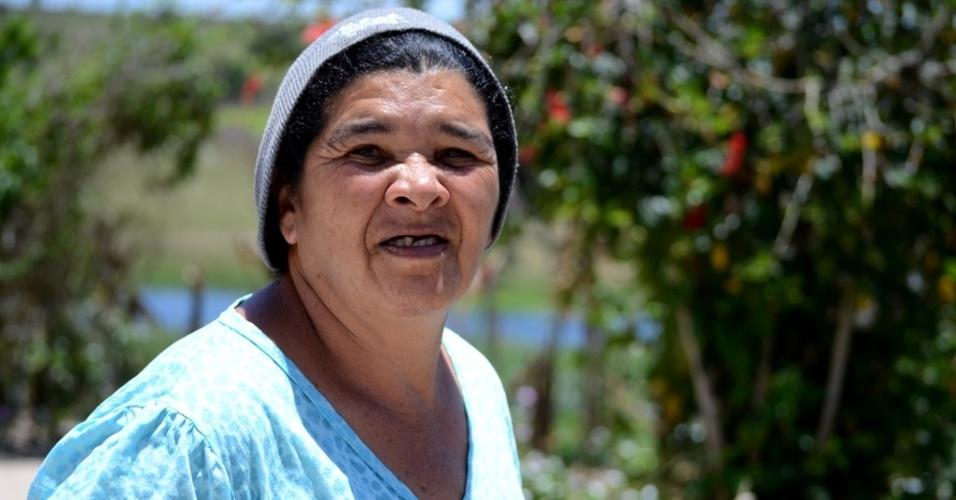 """21.out.2014 - Maria Edite, 60, mora em sítio em Várzea Cumprida, na zona rural de Caetés (PE), terra natal de Lula. """"Aqui todo mundo é Dilma"""", conta"""