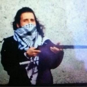 Foto divulgada no Twitter mostra Michael Zehaf-Bibeau; governo canadense não confirma autenticidade da imagem