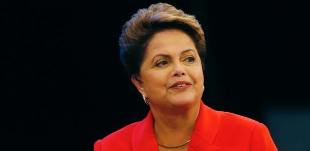 24.out.2014 - Dilma Rousseff, em campanha à reeleição pelo PT, participa do último debate do segundo turno