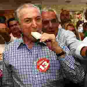 Em outubro de 2014, Michel Temer (PMDB), vice-presidente da República e candidato à reeleição na chapa de Dilma Rousseff (PT), faz caminhada de campanha em Barueri (SP) - Renato Silvestre/Estadão Conteúdo
