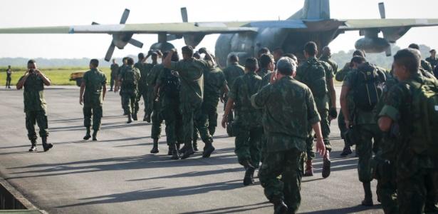 Cento e dez militares embarcaram de Belém para o Rio de Janeiro para atuar no complexo de favelas da Maré