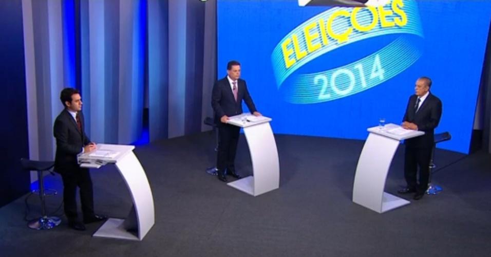 24.out.2014 - Os candidatos ao governo de Goiás, Iris Rezende (PMDB) e Marconi Perillo (PSDB), participaram na noite dessa quinta-feira (23) do último debate antes do segundo turno das eleições, promovido pela TV Anhanguera, afiliada da Rede Globo