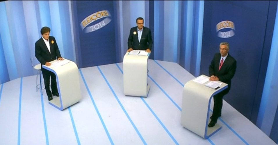 24.out.2014 - Os candidatos ao governo do Rio Grande do Norte, Henrique Eduardo Alves (PMDB) e Robinson Faria (PSD), participaram do último debate antes do segundo turno das eleições, realizado pela Inter TV Cabugi, afiliada da Rede Globo, na noite dessa quinta-feira (23) em Natal