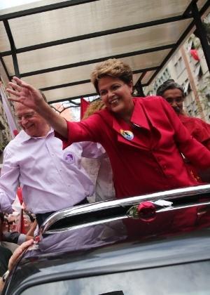 A presidente Dilma Rousseff (PT), candidata à reeleição, faz carreata em Porto Alegre (RS)