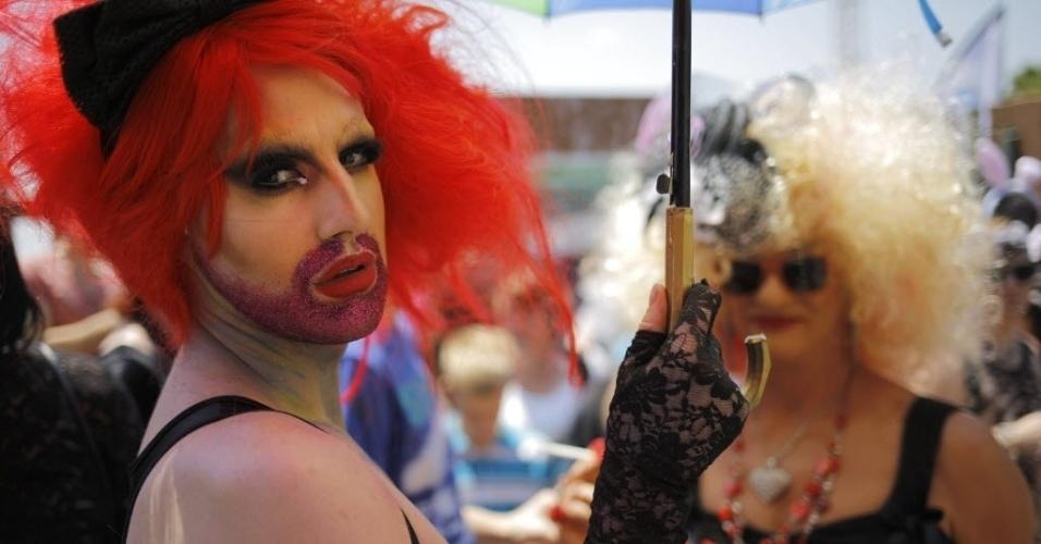 25.out.2014 - Membros da comunidade LGBT participam da Parada do Orgulho Gay em Johannesburgo, África do Sul