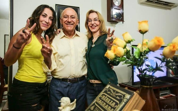 26.out.2014 - O governador de Rondônia, Confúcio Moura (PMDB), 66, se reelegeu neste domingo no segundo turno da eleição ao derrotar seu ex-aliado político Expedito Júnior (PSDB). Em seu Facebook, o candidato reeleito comemorou a vitória: