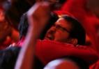 Eleitores comemoram vitória de Dilma Rousseff pelo Brasil - Ueslei Marcelino/Reuters