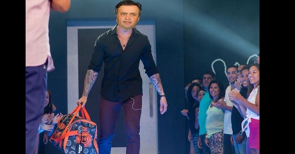 26.out.2014 - Internauta faz piada sobre derrota do candidato à Presidência pelo PSDB, Aécio Neves, neste domingo (26)