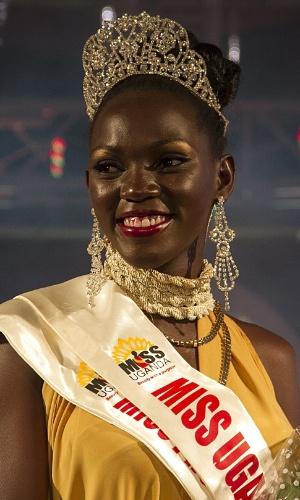 26.out.2014 - Leah Kalanguka, recém-eleita Miss Uganda 2014, posa para foto em Kampala. Ex-fazendeira de cogumelos e aves, Kalanguka foi coroada após o concurso anual passar por uma reformulação e agora ter como objetivo promover a agricultura na nação africana