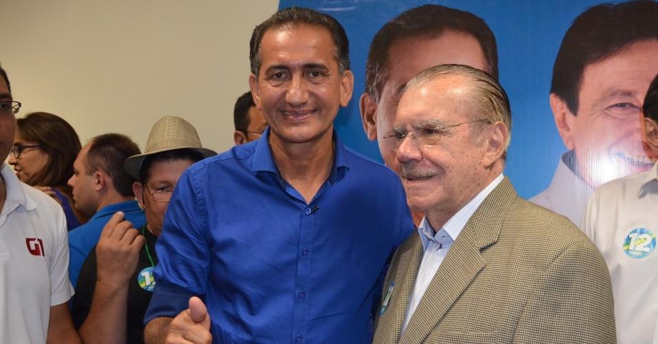 26.out.2014 - Waldez Góes (PDT), governador eleito do Amapá, comemora vitória ao lado do padrinho político, o senador José Sarney (PMDB-AP)