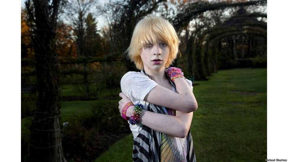 """28.out.2014 - No site de Michael Sharkey, www.msharkey.com - estão publicadas entrevistas que o fotógrafo fez com os jovens que aparecem na série """"Queer Kids"""". Na foto, Pierce (Connecticut)"""