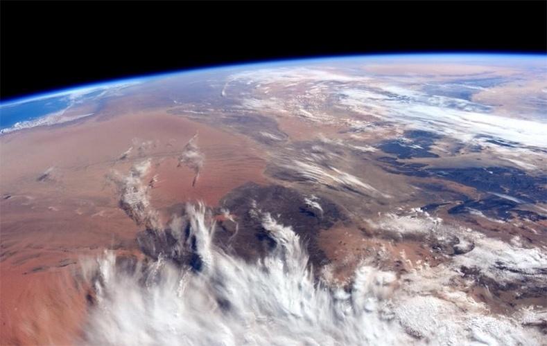 31.out.2014 - O astronauta da Nasa Reid Wiseman, que está em missão na Estação Espacial Internacional (ISS, na sigla em inglês), publicou uma foto do continente africano feita do espaço