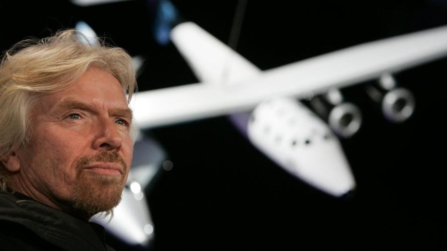 O bilionário Richard Branson, fundador da Virgin Galactic, irá ao espaço neste domingo; iniciativa é o começo de seu plano para voo espacial para turistas - Stan Honda/AFP