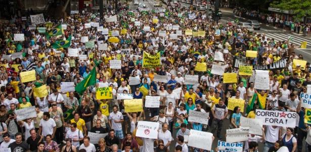Manifestantes pedem impeachment de Dilma na avenida Paulista, em SP - Dario Oliveira/Código 19/Estadão Conteúdo