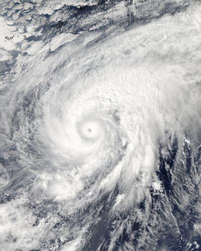 3.nov.2014 - TUFÃO VISTO DO ESPAÇO - A imagem de satélite, divulgada pela Nasa (agência espacial americana), mostra o tufão Nuri, no ocidente do oceano Pacífico. O satélite da agência espacial observou a evolução do fenômeno que no dia 1º de novembro era um ciclone tropical e agora virou um tufão