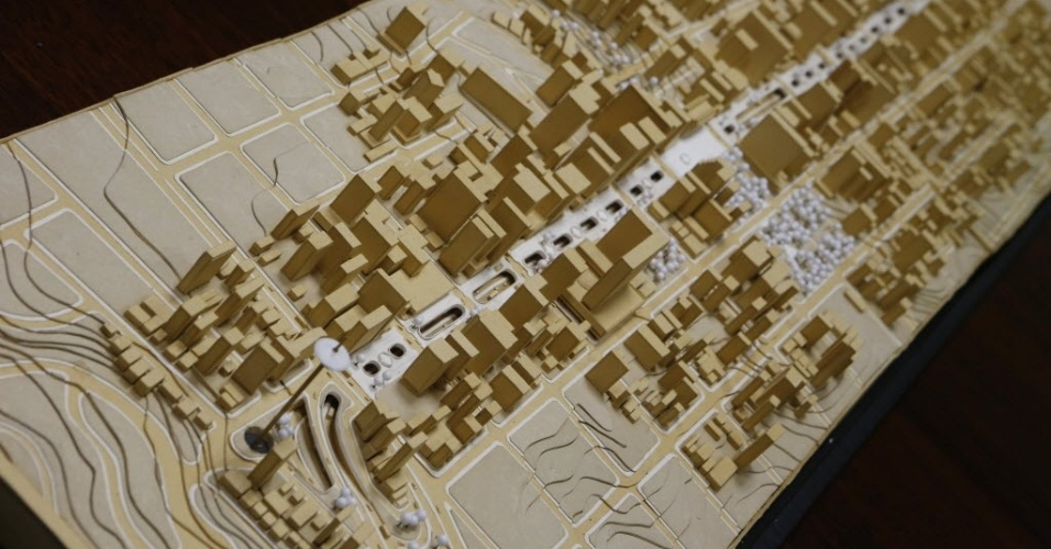 3.nov.2014 - Maquete do projeto Nova Paulista original, de autoria do engenheiro Figueiredo Ferraz e do arquiteto Nadir Mezerani