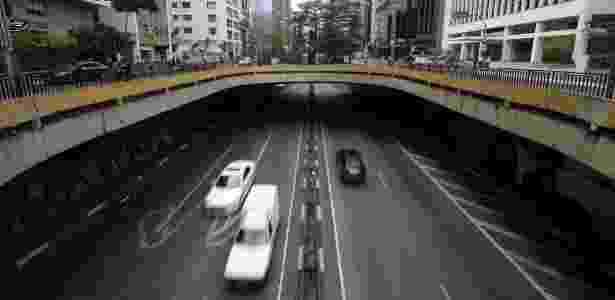Túnel semiaberto da avenida Paulista, entre as ruas da Consolação e Haddock Lobo - Junior Lago/UOL - Junior Lago/UOL