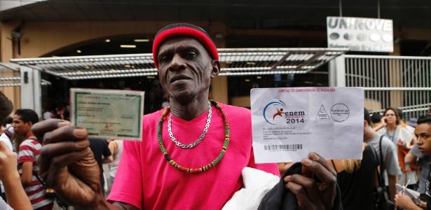 """""""Yes, I can!"""", diz aposentado de 71 anos e candidato do Enem em SP - Junior Lago/UOL"""