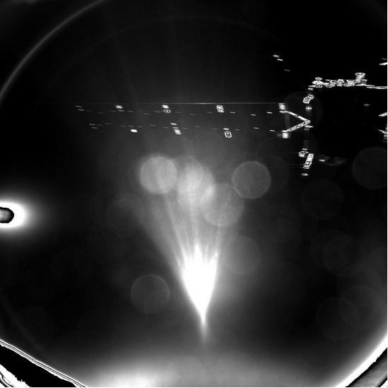 12.nov.2014 - O robô Philae tirou uma foto do momento em que separou-se da sonda espacial Rosetta na manhã desta quarta-feira (12) e seguiu seu percurso para se tornar a primeira nave espacial a pousar em um cometa. A separação foi confirmada pela Agência Espacial Europeia (ESA), em Darmstadt, na Alemanha, às 7h03 (horário de Brasília). Agora, Philae, de quase 100 kg, deverá fazer uma manobra semelhante a uma queda livre no espaço em direção a seu alvo: o cometa 67P/ Churyumov-Gerasimenko