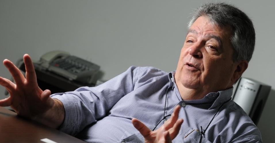 12.nov.2014 - O secretário estadual de Recursos Hídricos de São Paulo, Mauro Arce, concede entrevista em escritório. Ele prestou depoimento à CPI (Comissão Parlamentar de Inquérito) da Sabesp, aberta na Câmara Municipal de São Paulo