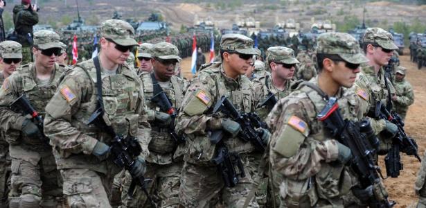 Soldados americanos participam de treinamento militar da Otan na Lituânia em 2014