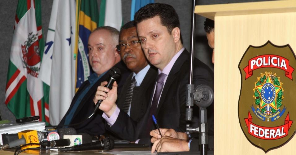 Resultado de imagem para Polícia Federal fala em coletiva sobre a prisão do empresário Wesley Batista. Assista: