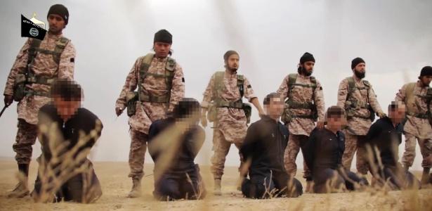 A autenticidade do vídeo - que mostra as decapitações dos soldados sírios e do refém americano - não pode ser confirmada