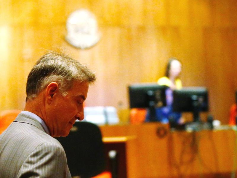Eike chega para o julgamento, no Rio