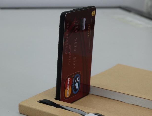Chip de telefonia GSM, que transmitia o gabarito para o ponto eletrônico de candidatos, simulava um cartão de crédito